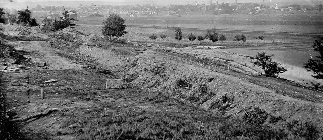 Confederate earthworks located at the southern end of Willis Hill.